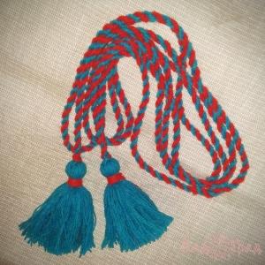 Пояс кручёный красно-голубой с голубыми кистями, ~300 см