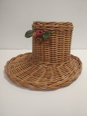 Плетёная шляпка