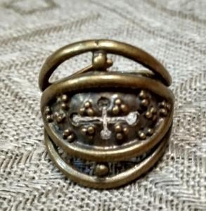 Кольцо Зерна/плодородие с крестом РУ-К1.056 (оберег, латунь)_0