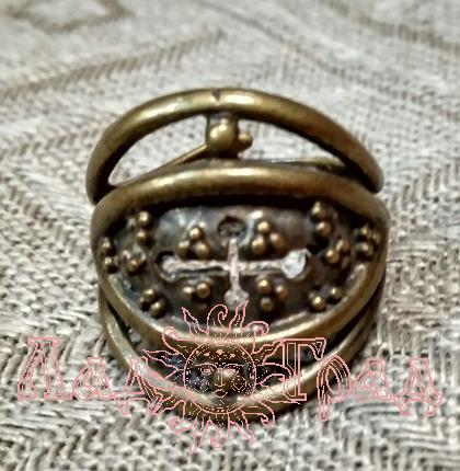 Кольцо Зерна/плодородие с крестом РУ-К1.056 (оберег, латунь)_1