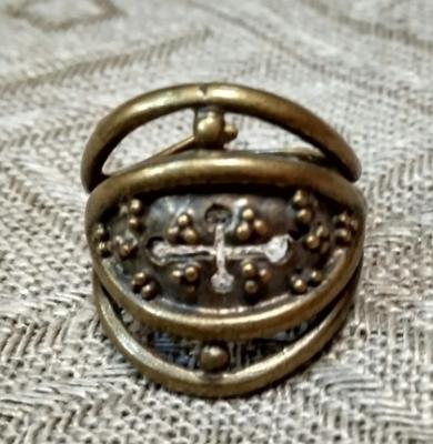 Кольцо Зерна/плодородие с крестом РУ-К1.056 (оберег, латунь)