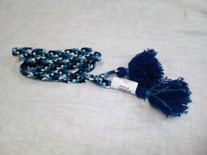 Пояс плетёный чёрно-сине- бело-голубой с синими кистями, 260/2 см
