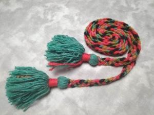 Пояс плетёный чёрно-зелёно-бежево-красный с зелёными кистями, 200/1,5 см