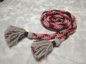 Пояс плетёный серо-чёрно-красно-розовый с серыми кистями, 280/2,5 см