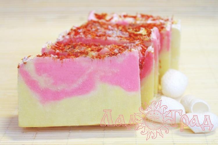 Природное мыло Иланг-иланг (с шелком)